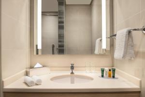 Um banheiro em Hilton Garden Inn Al Khobar