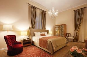 A bed or beds in a room at Villa Levante