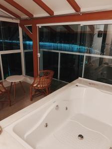 A bathroom at Hotel Pousada 7 Mares