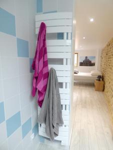 Salle de bains dans l'établissement Maison de 3 chambres a Brioude avec magnifique vue sur la ville et WiFi