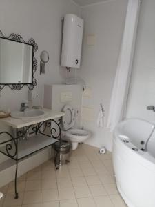 "Ванная комната в Кантри-отель ""Березки"""