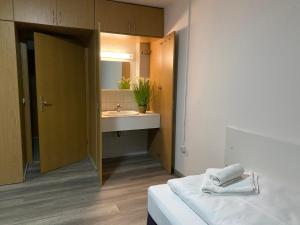 A bathroom at hostel47