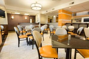 A restaurant or other place to eat at Drury Inn & Suites Austin North