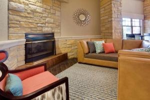 A seating area at Drury Inn & Suites Amarillo