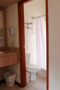 A bathroom at Hotel San Carlos