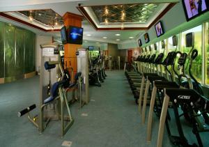 Das Fitnesscenter und/oder die Fitnesseinrichtungen in der Unterkunft South Point Hotel Casino-Spa