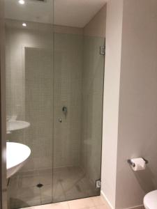 A bathroom at Accent Accommodation@Docklands