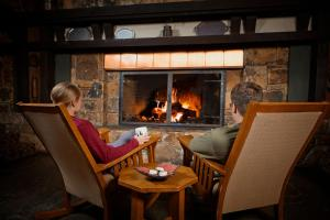 A restaurant or other place to eat at Salt Fork State Park Lodge and Conference Center