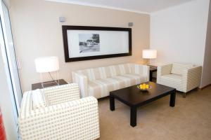 A seating area at White Waters Hotel