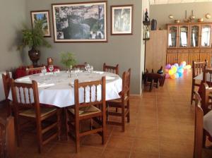 Un restaurante o sitio para comer en Hotel Casa Tejedor
