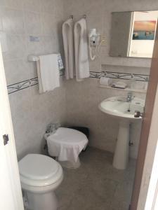 A bathroom at Bonne Etoile