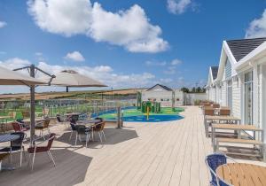 The swimming pool at or close to Piran Meadows Resort