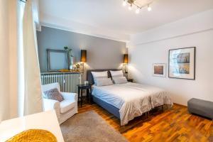Een bed of bedden in een kamer bij Ferienwohnung Koblenz Altstadt
