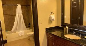 A bathroom at Wyndham Bonnet Creek Resort