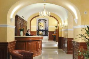 The lobby or reception area at Clarion Collection Hotel Principessa Isabella