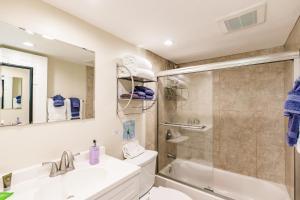 A bathroom at The Inn on Siesta Key