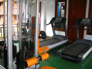 Gimnasio o instalaciones de fitness de Chanthapanya Hotel