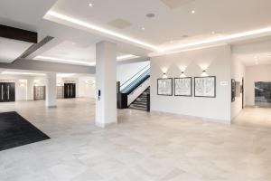 The lobby or reception area at Hilton London Gatwick Airport