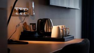 Coffee and tea-making facilities at Hotel Oepkes