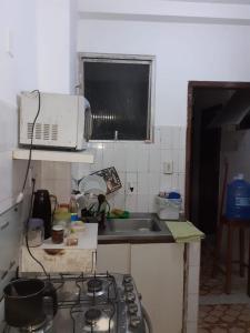 A kitchen or kitchenette at Apartamento centro salvador