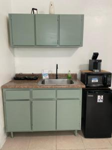 A kitchen or kitchenette at Apartment safe and quiet near to airport
