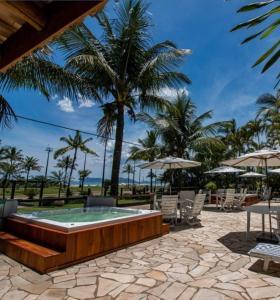A piscina localizada em Apart Hotel Porto Kanoas ou nos arredores