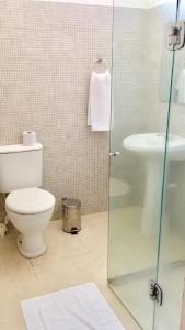 A bathroom at Caminho da Praia Flats