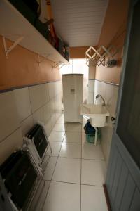 A bathroom at Chalé Rosé