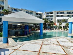 The swimming pool at or close to SM Oceanview Condo by Andiani Travel