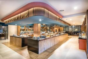 A restaurant or other place to eat at Hotel Riu Palace Jandia