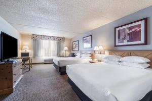 A television and/or entertainment center at Red Lion Inn & Suites Goodyear