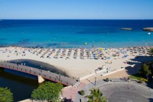 Een luchtfoto van Apartamentos Playa Moreia