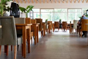 A restaurant or other place to eat at Hajé Hotel Joure