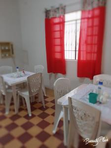 A restaurant or other place to eat at aconchego no coração do pantanal