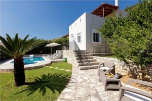 The swimming pool at or close to Agios Antonios Villas