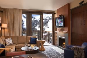 A seating area at Hotel Terra Jackson Hole, a Noble House Resort
