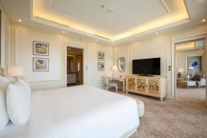 A television and/or entertainment center at Radisson Blu Resort Phu Quoc