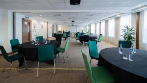 A restaurant or other place to eat at Holiday Inn Bristol City Centre, an IHG Hotel