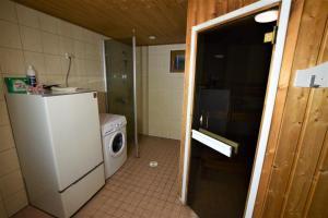 A bathroom at Pyhtään Vuokramökit