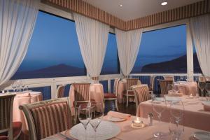 Restaurant ou autre lieu de restauration dans l'établissement Imperial Hotel Tramontano