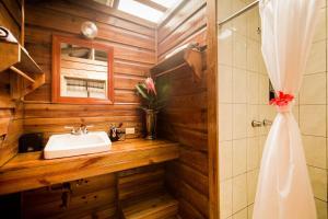A bathroom at Jaguar Creek