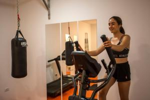 Das Fitnesscenter und/oder die Fitnesseinrichtungen in der Unterkunft Family Resort Hotel Manora 4 Stars
