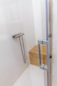 A bathroom at Villa Royal