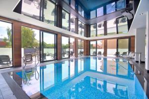 The swimming pool at or close to Savana Resort Mielno