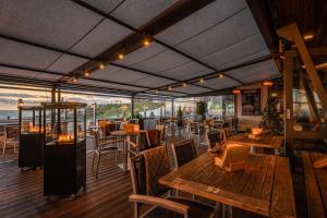 Een restaurant of ander eetgelegenheid bij Hotel Zeezicht