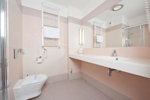 Ein Badezimmer in der Unterkunft Hotel Interferie Medical SPA