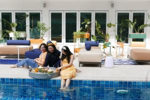 The swimming pool at or near Le Tada Parkview Hotel