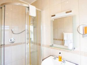 A bathroom at The Castleton