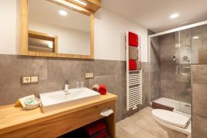 Ein Badezimmer in der Unterkunft Nichtraucher-Ferienhotel Hohen Bogen