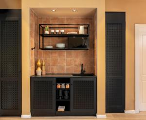 A kitchen or kitchenette at Mr. Soof - By TLV2GO